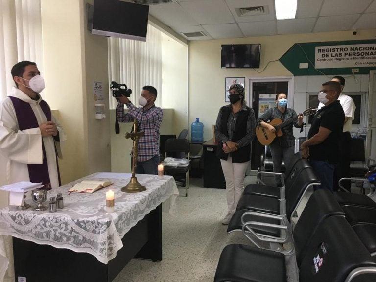 TGU: En el día de difuntos celebran misa por cadáveres sin reclamar
