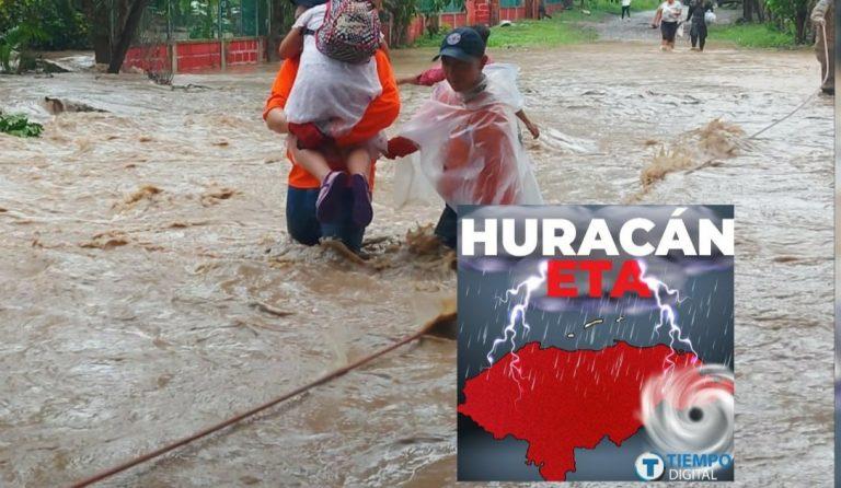NHC: Honduras descontinuó vigilancia de huracán Eta; Copeco lo niega