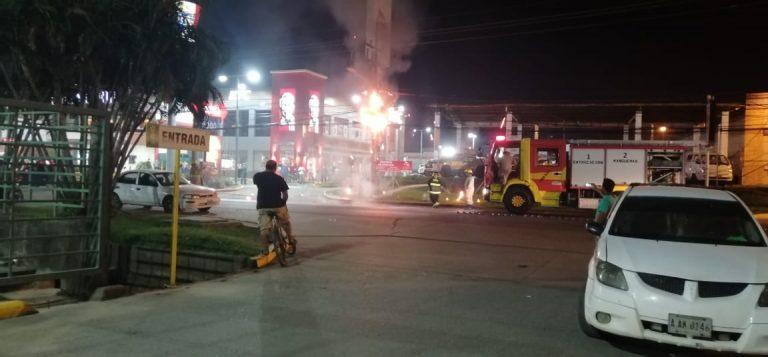 La Ceiba: ciudadanos reportan falla eléctrica; produjo llamas de fuego «peligrosas»
