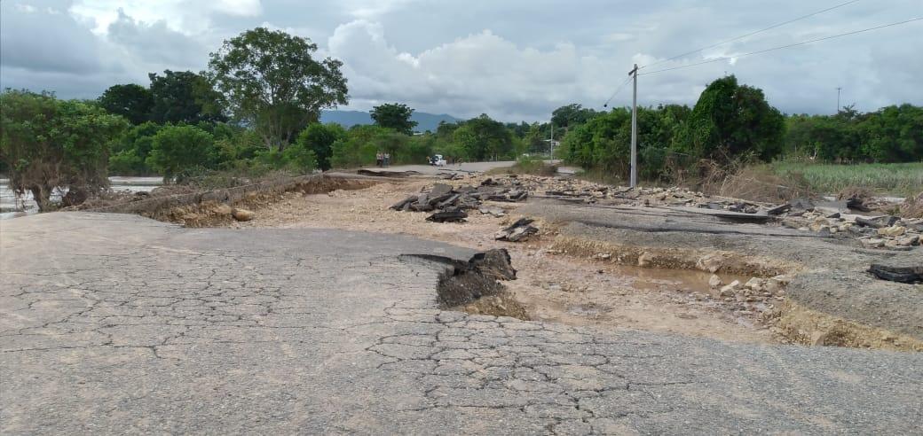 Ulúa destruye carretera Pimienta