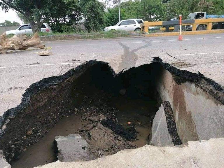 Cede pavimento: «agujero» en la CA-5 deja cerrado el paso de SPS a Villanueva