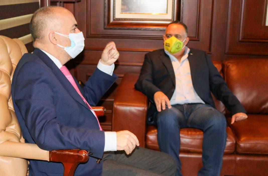 Calidonio se reúne con embajador de UE
