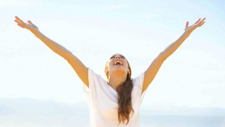 ¿Cómo beneficia el pensamiento positivo a la salud?