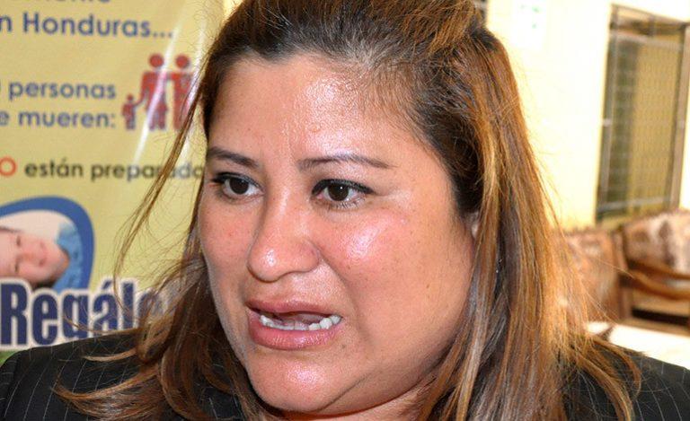 "Welsy Vásquez retrocede: ""Si va a causar problemas, retiro mi proyecto"""