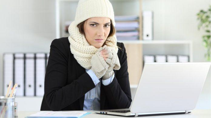 Mujeres más frío oficina