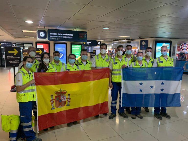 Médicos españoles llegan a Santa Bárbara a brindar asistencia a afectados