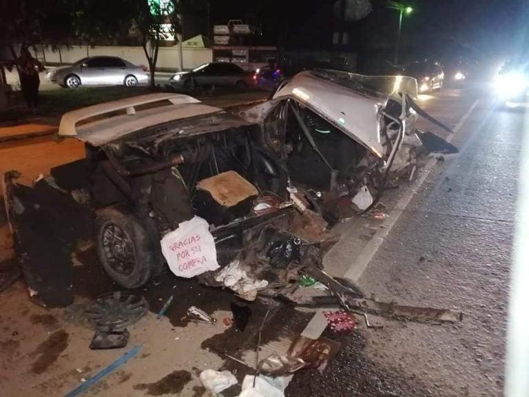 SPS: «Partido en dos» queda vehículo tras fuerte accidente en bulevar del Este
