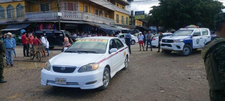 Sujetos acribillan a taxista en la entrada del mercado municipal de Tocoa, Colón