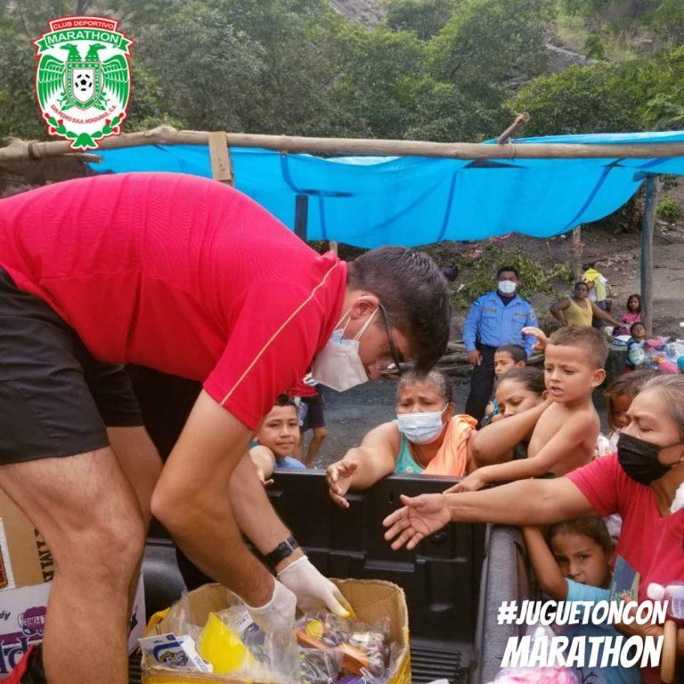 ADMIRABLE: El Marathon regala víveres y juguetes a los sampedranos