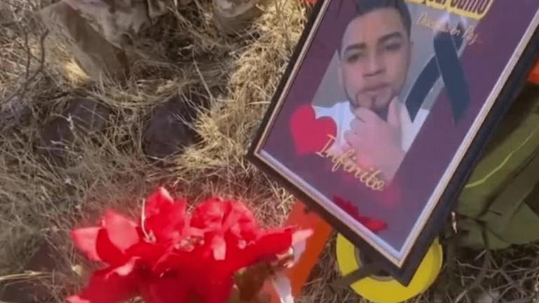 """Hondureña manda """"Las Mañanitas"""" hasta el desierto donde su hijo migrante murió"""