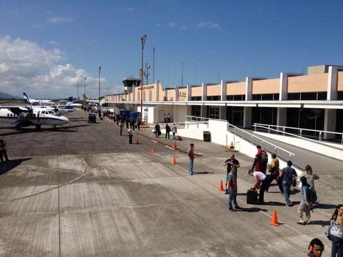 primer vuelo aeropuerto de La Ceiba