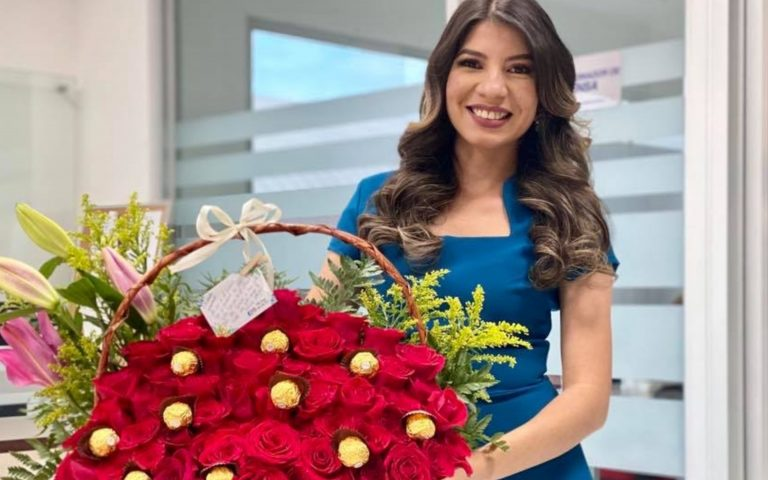 «Te amo»: Ingrid Villalobos recibe sorpresa desde SPS por su cumpleaños