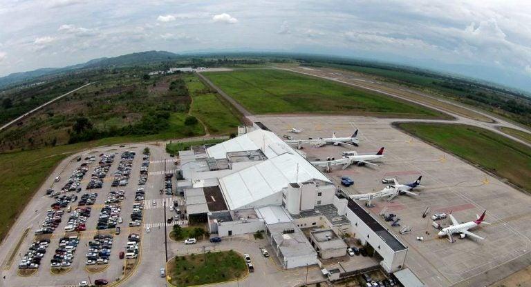Habilitan aeropuerto Villeda Morales para vuelos internacionales, pero «con restricciones»