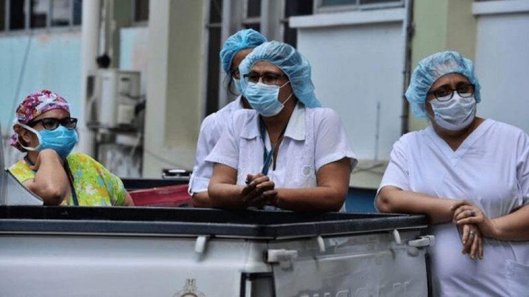 Personal de enfermería: unos 2,500 casos de COVID-19 y 67 % de positividad