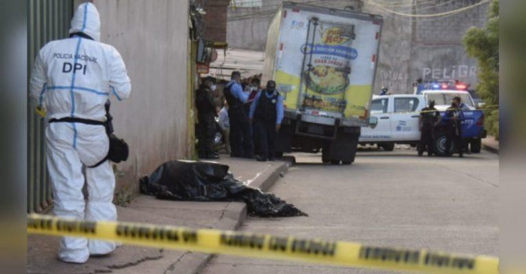 TGU: matan a guardia de camión repartidor; se negó a entregar su escopeta