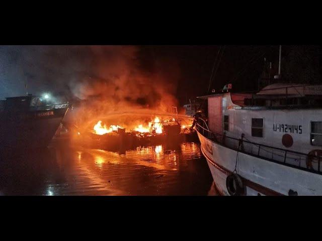 Siete embarcaciones dañadas en incendio en el Muelle de Cabotaje de La Ceiba