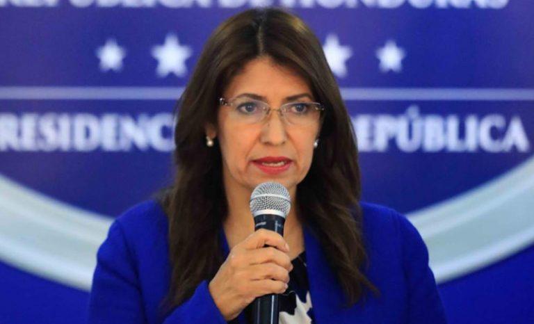 Alba Flores: En precio de la PCR se incluye energía, aire y el personal humano