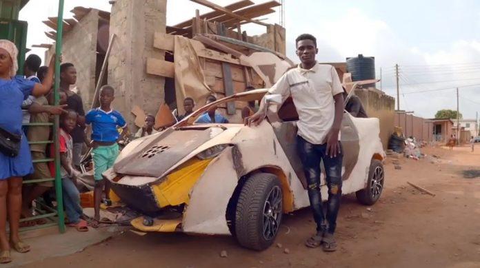 joven construye carro