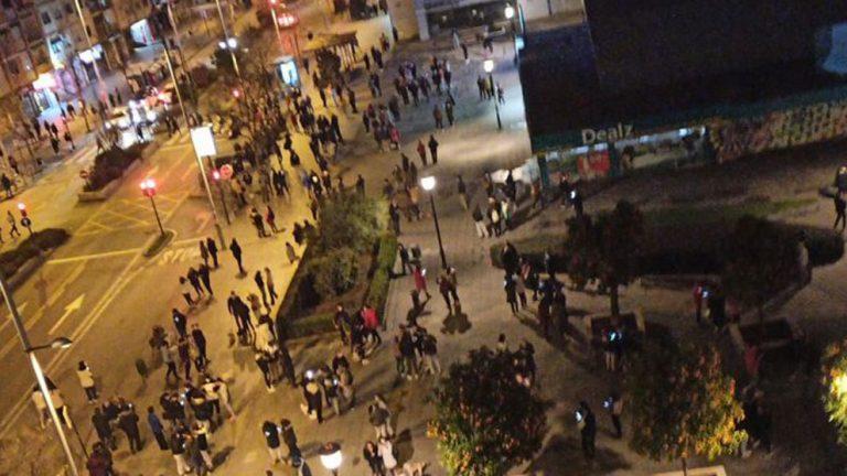 Familias en la calle: «cadena de sismos» azota a Granada, España, en la madrugada