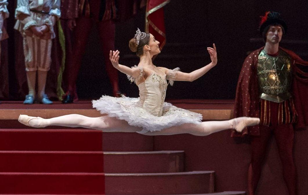 Bailarina Ballet clase afectados Eta Iota