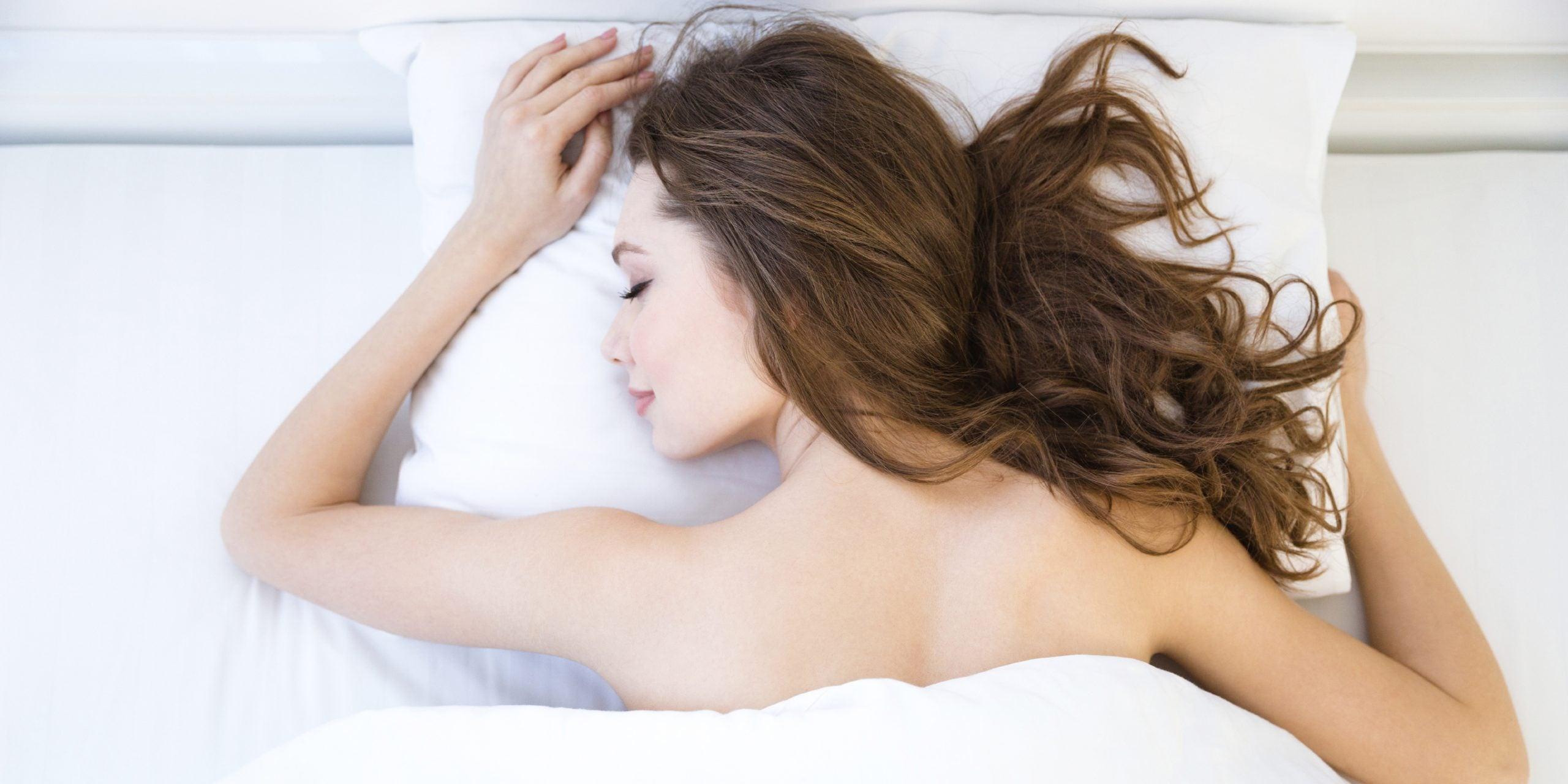 DE MUJERES   Cuatro increíbles beneficios de dormir sin brasier