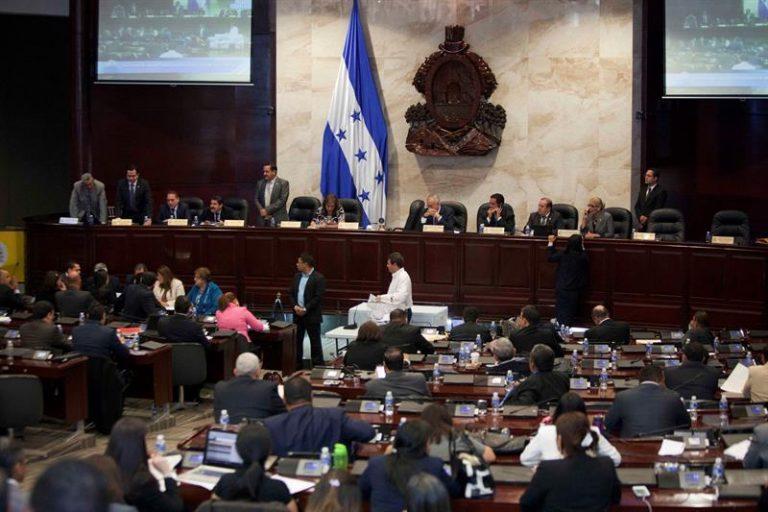 CN ratifica reforma que prohíbe aborto y matrimonio igualitario