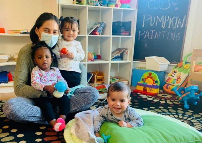 Emprendedora hondureña, la más joven en obtener certificado de cuidados infantiles en EEUU
