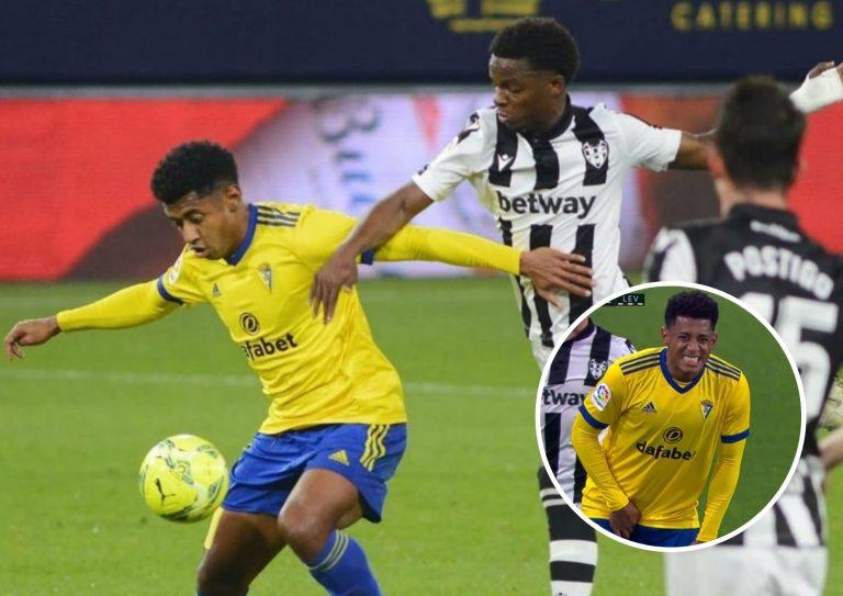 'Choco' Lozano es titular y sale lesionado en el empate del Cádiz ante Levante