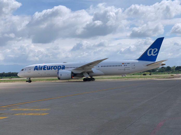 Aterrizan vuelos en aeropuerto Villeda Morales