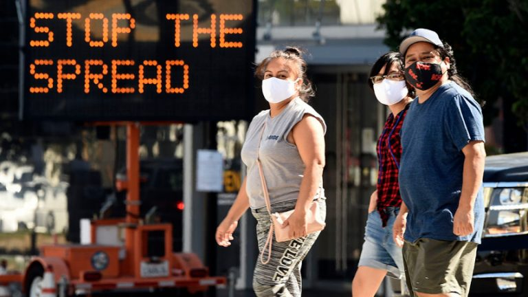 California: Epidemióloga pide no usar un lote de vacunas de Moderna por reacciones alérgicas