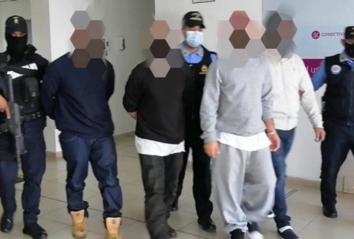Capturan deportados.