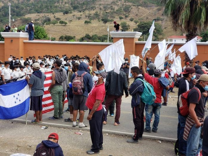 caravana migrante en vado hondo