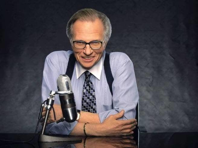 El COVID le arrebata la vida al famoso periodista Larry King, a los 87 años
