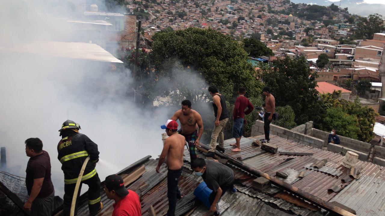 Incendio consume viviendas Independencia