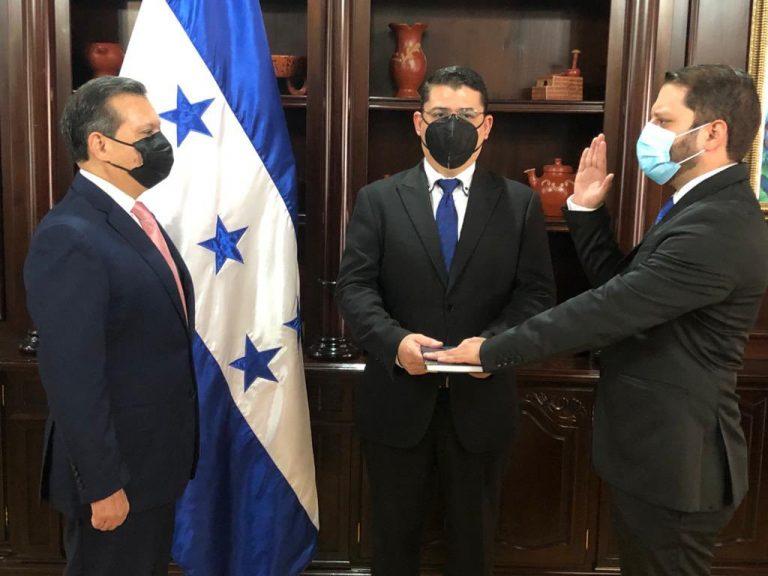Designan a José Mario Reyes como vicesecretario de Transparencia