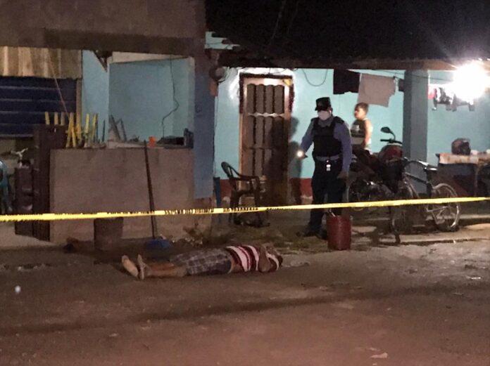 matan a dos hombres en casa El Progreso