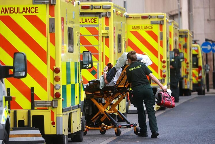 Terrible récord: Reino Unido con 62 mil contagios de COVID-19 en 24 horas