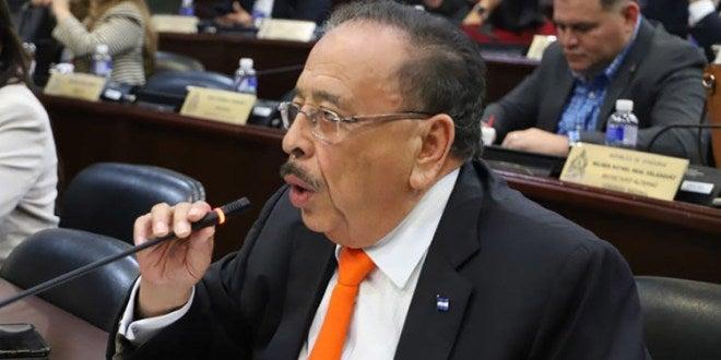Oswaldo Ramos Soto: «Aquí a varios nos insultan y gritan en las calles»