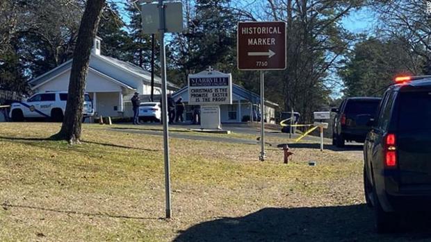 Tiroteo en una iglesia en EEUU: El atacante asesinó al pastor