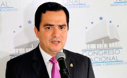 ¿Mario Pérez tiene COVID?