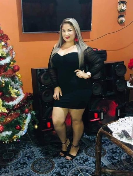 hombre mata esposa en Santa Rita