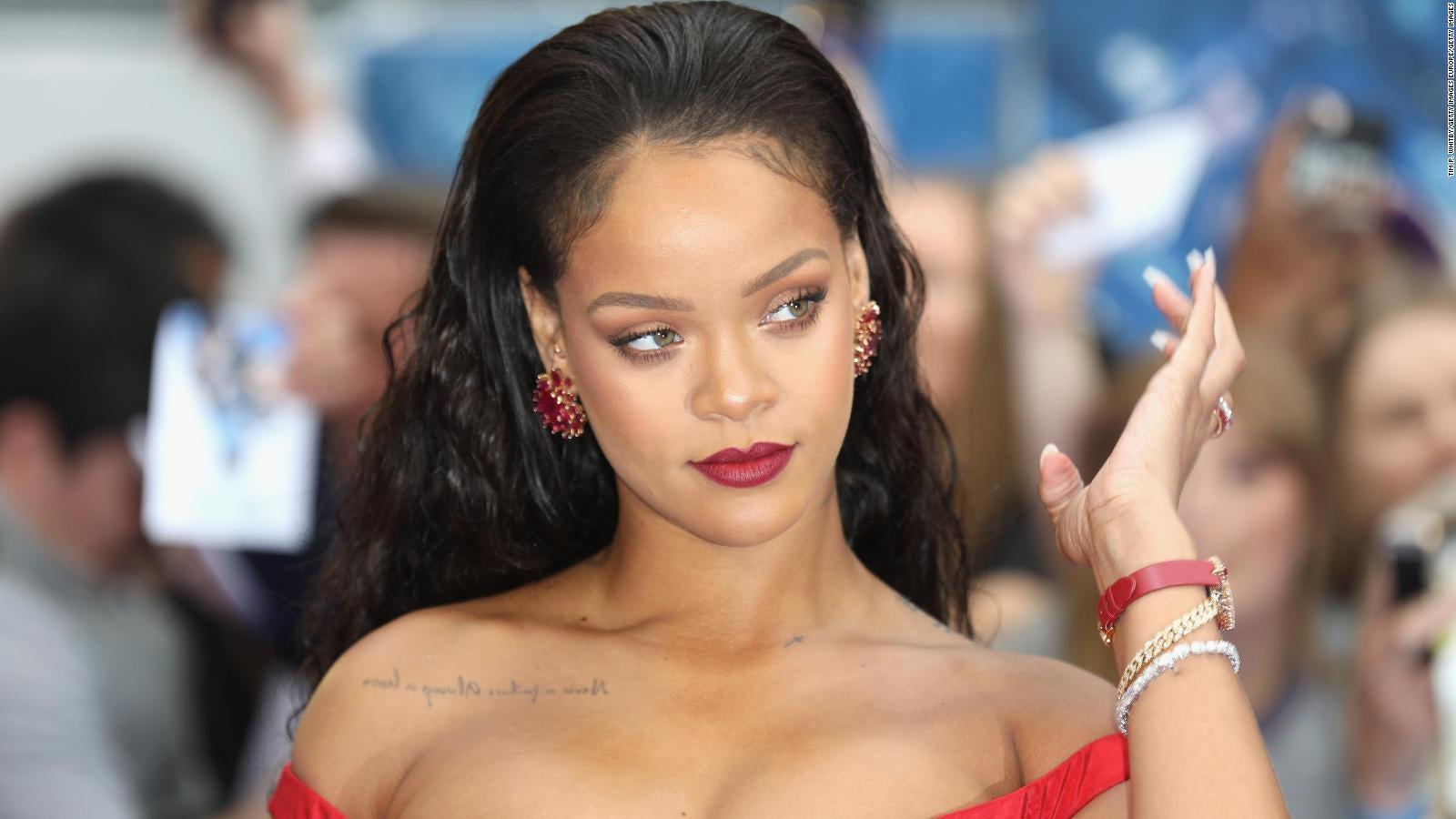 Rihanna fotos Ganesha