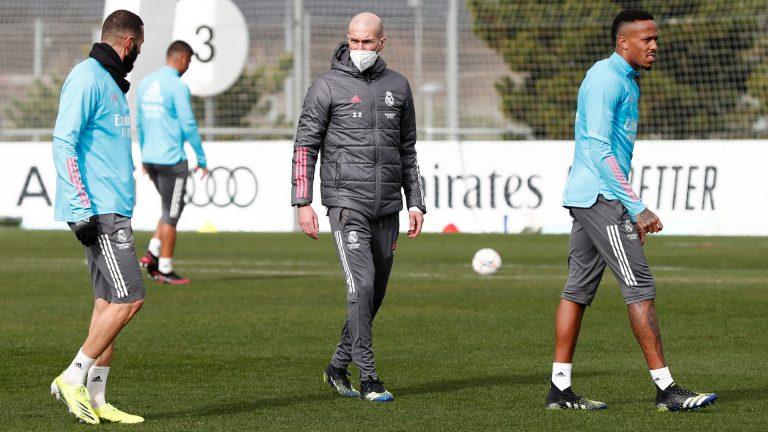 Zidane vuelve a los entrenamientos tras 10 días de baja por Covid-19