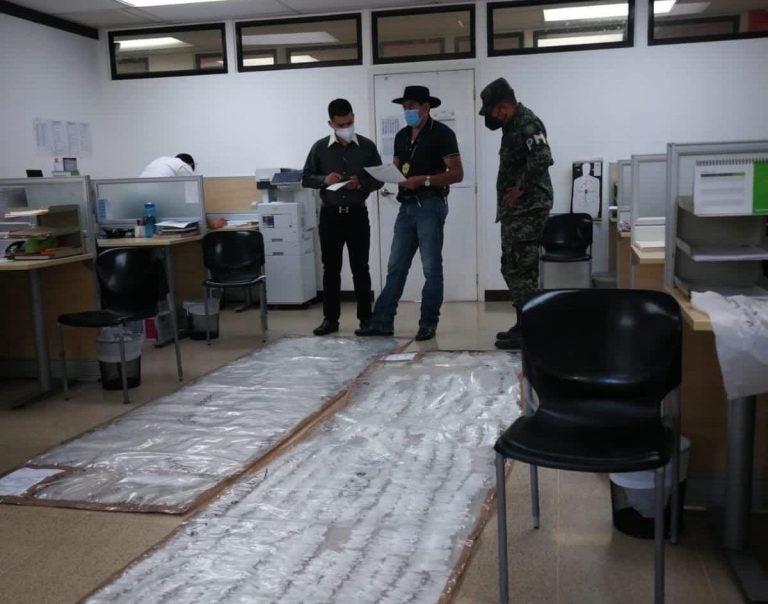 SPS: desmantelan narcolaboratorio con más de cuatro mil puntas de supuesta cocaína