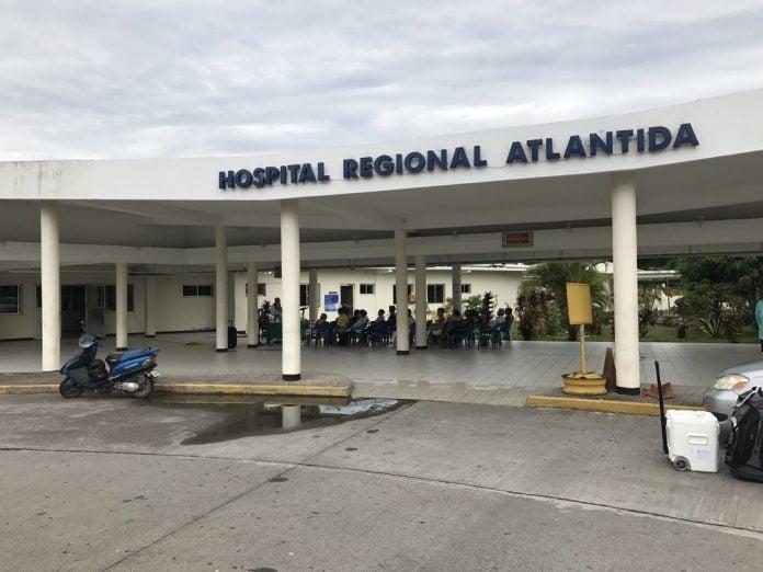 Personal de salud de Atlántida quedó fuera de Plan de Vacunación.