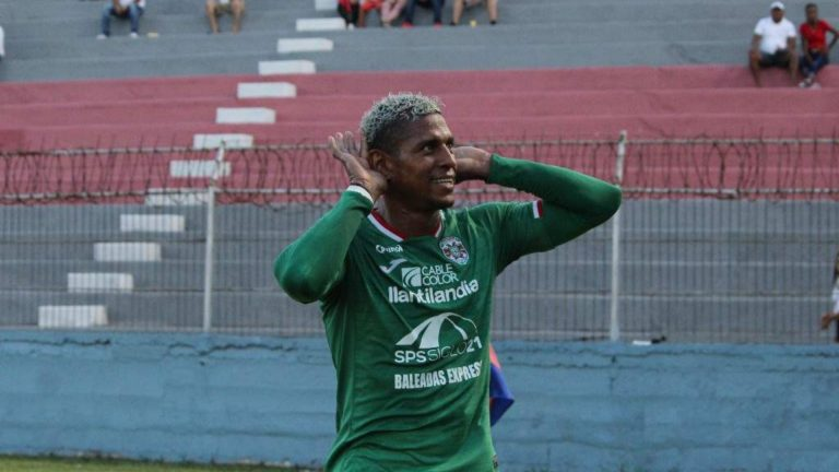 """Costly: """"Me quiero retirar bien, haciendo goles por eso volví a Marathón"""""""