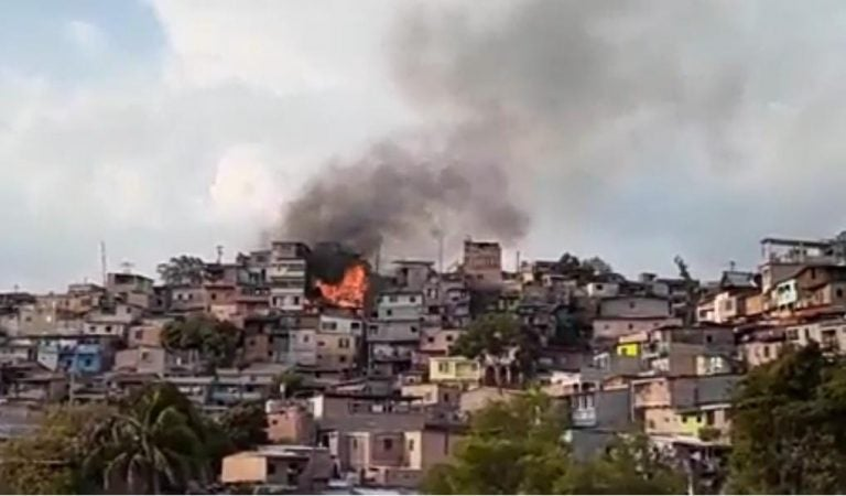 Comayagüela: incendio en colonia Divanna deja en la calle a varias familias