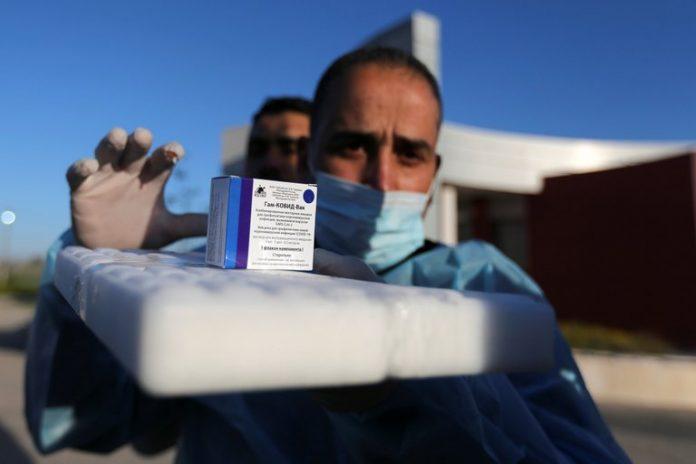 Rusia anuncia vacuna de una sola dosis.