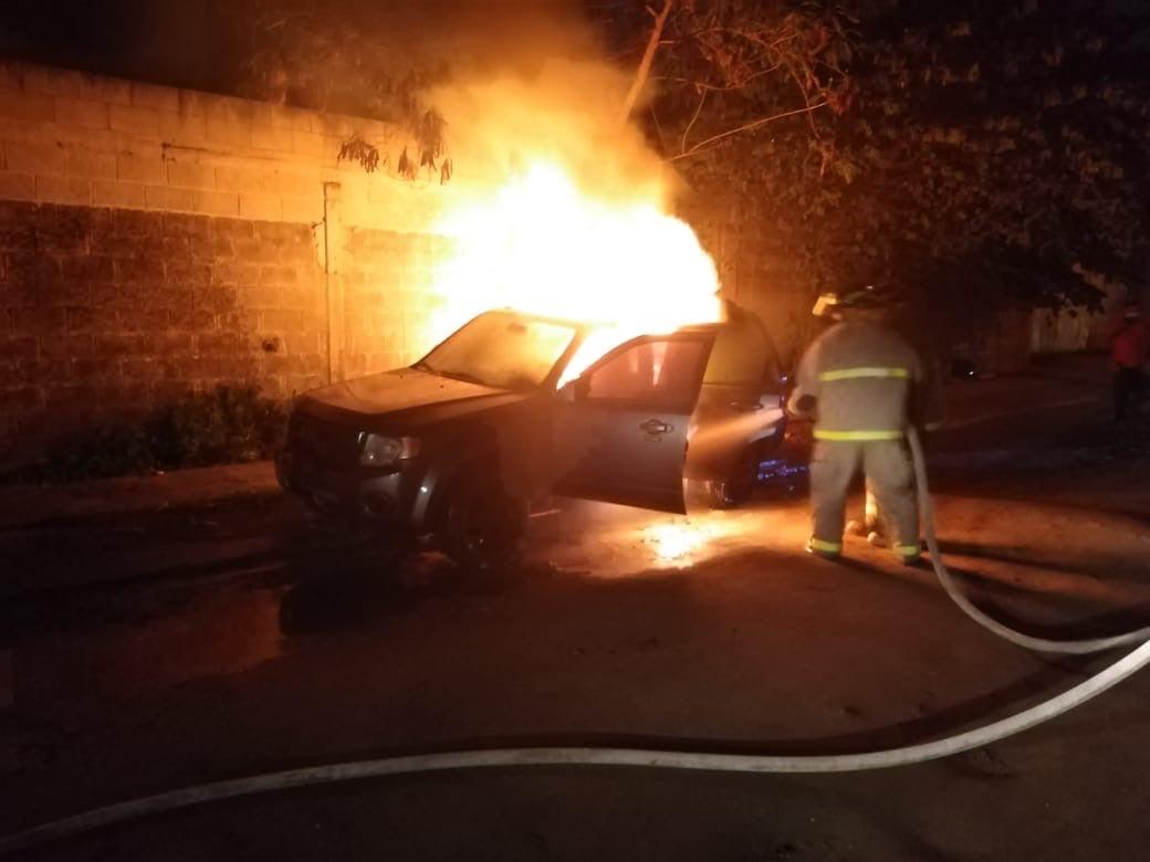 Automóvil se incendia en SPS
