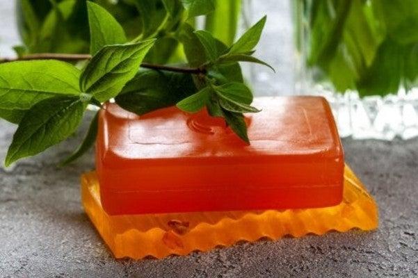 Los beneficios del jabón de papaya, un útil exfoliante y hasta calmante